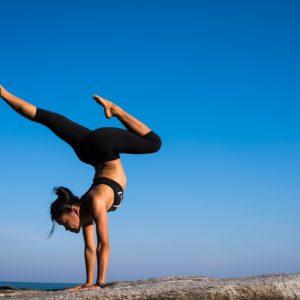 quel yoga choisir, yoga, ashtanga, hatha, bikram, vinyasa, détente, bien etre, sport, méditation, concentration, holissence