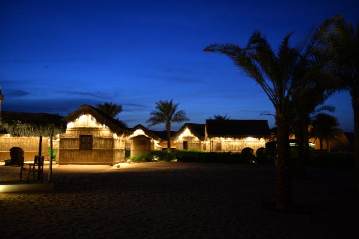 escapades, amoureux, saint valentin, arabian nights village, abu dhabi, désert, romantique, holissence