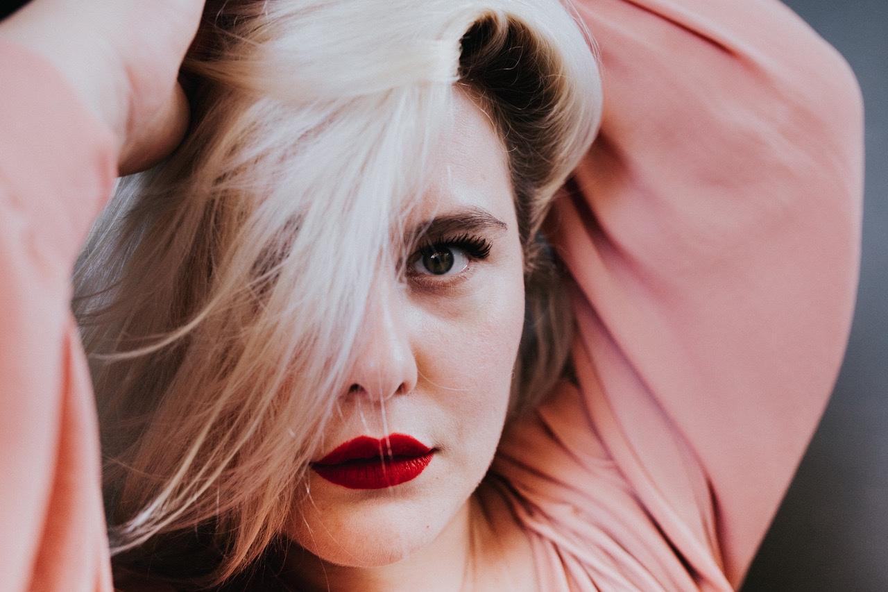 Juliette Katz, Coucou les girls, interview, holissence, apprendre à s'aimer