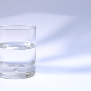 eau-plate-vs-eau-gazeuse