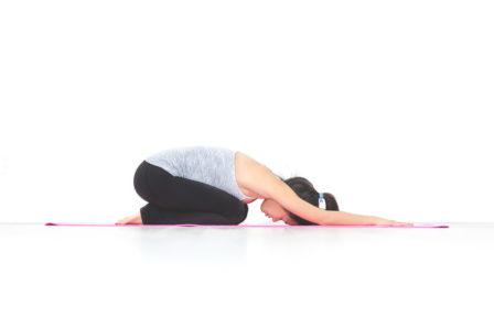 yoga posture enfant