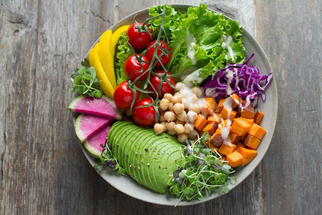 5 conseils pour débuter une alimentation vivante - Holissence